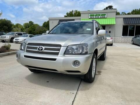 2006 Toyota Highlander Hybrid for sale at Cross Motor Group in Rock Hill SC