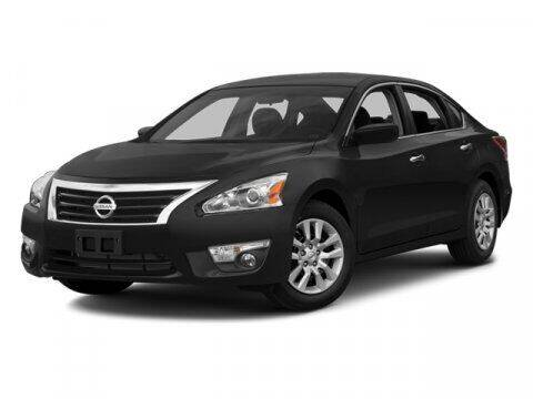 2013 Nissan Altima for sale at DAVID McDAVID HONDA OF IRVING in Irving TX