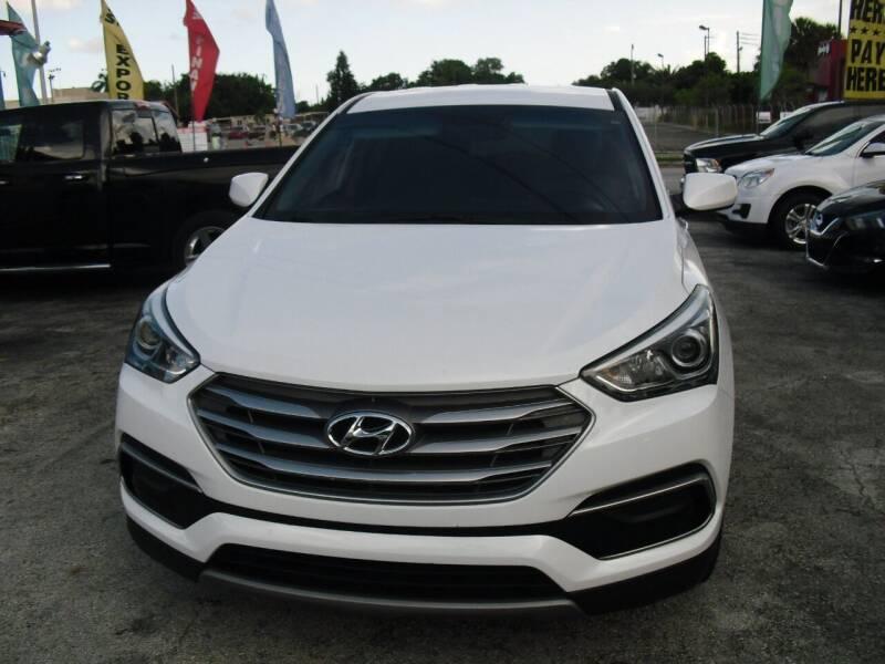 2017 Hyundai Santa Fe Sport for sale at SUPERAUTO AUTO SALES INC in Hialeah FL