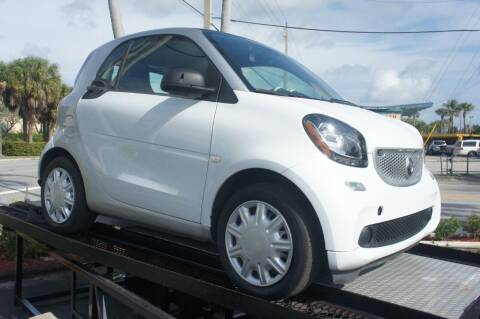 2016 Smart fortwo for sale at Dream Machines USA in Lantana FL