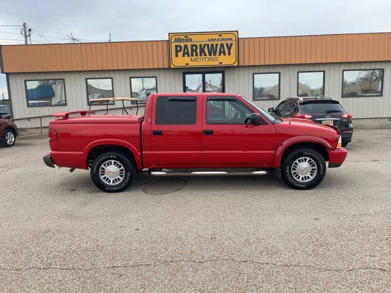 2001 GMC Sonoma for sale at Parkway Motors in Springfield IL