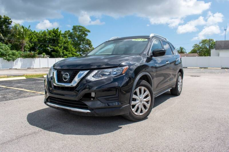 2017 Nissan Rogue for sale at Guru Auto Sales in Miramar FL
