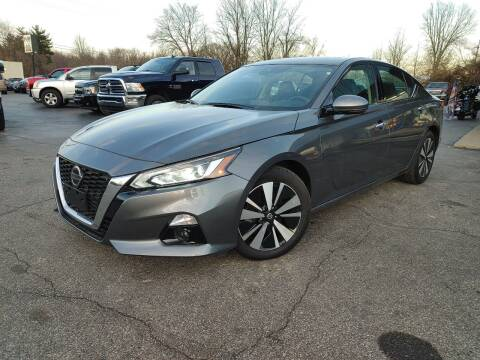 2019 Nissan Altima for sale at Cruisin' Auto Sales in Madison IN
