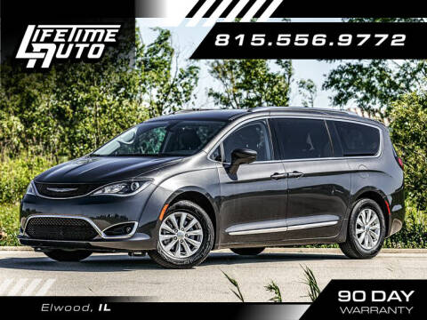 2019 Chrysler Pacifica for sale at Lifetime Auto in Elwood IL