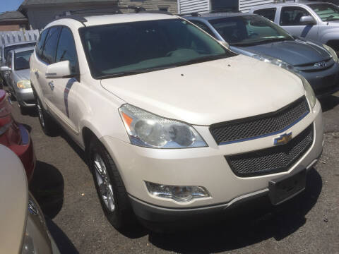 2011 Chevrolet Traverse for sale at UNION AUTO SALES in Vauxhall NJ