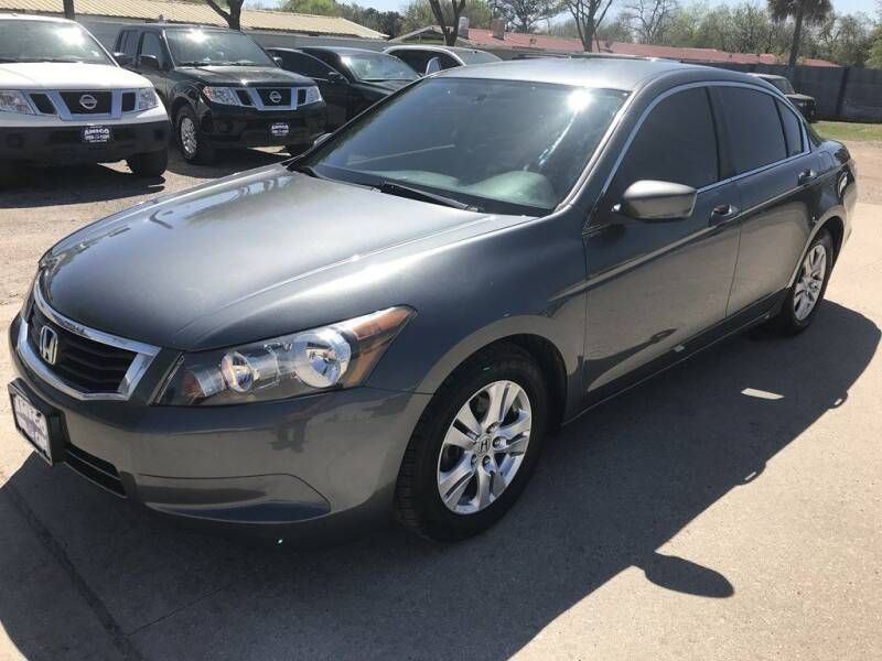 2010 Honda Accord for sale at AMIGO USED CARS in Houston TX