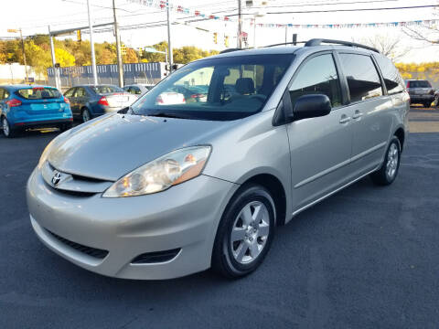 2006 Toyota Sienna for sale at Cedar Auto Group LLC in Akron OH