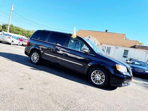 2011 Chrysler Town and Country for sale at New Wave Auto of Vineland in Vineland NJ