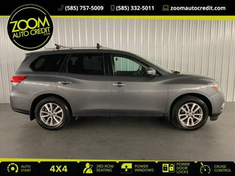 2016 Nissan Pathfinder for sale at ZoomAutoCredit.com in Elba NY