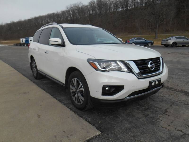 2017 Nissan Pathfinder for sale at Maczuk Automotive Group in Hermann MO