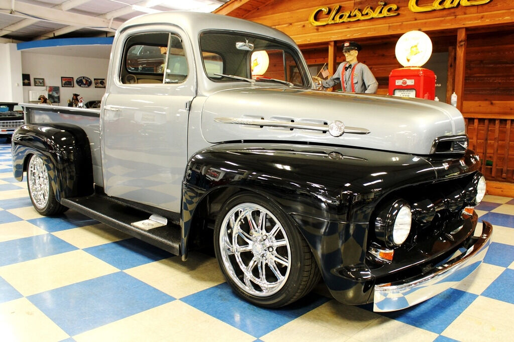 1951 Ford F-100 10