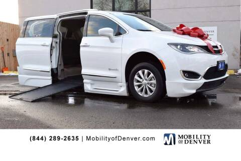 2018 Chrysler Pacifica for sale at CO Fleet & Mobility in Denver CO