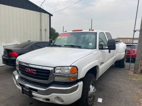 2007 GMC Sierra 3500 Classic for sale at BELOW BOOK AUTO SALES in Idaho Falls ID