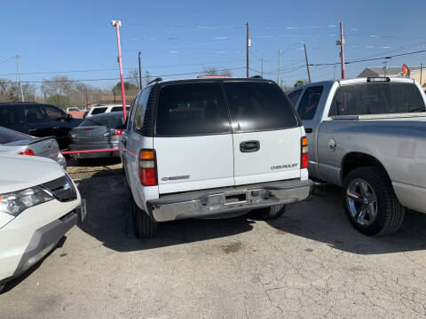 2004 Chevrolet Tahoe for sale at BULLSEYE MOTORS INC in New Braunfels TX
