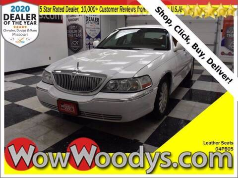 2004 Lincoln Town Car for sale at WOODY'S AUTOMOTIVE GROUP in Chillicothe MO