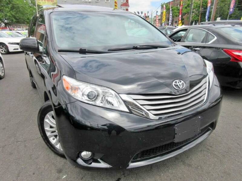 2015 Toyota Sienna for sale at Seewald Cars in Brooklyn NY
