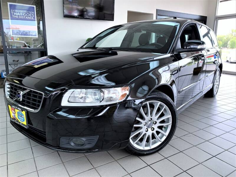 2009 Volvo V50 for sale at SAINT CHARLES MOTORCARS in Saint Charles IL