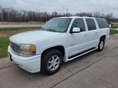 2004 GMC Yukon XL for sale at Sunshine Auto Sales in Menasha WI