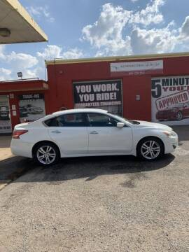 2013 Nissan Altima for sale at Memphis Finest Auto, LLC in Memphis TN