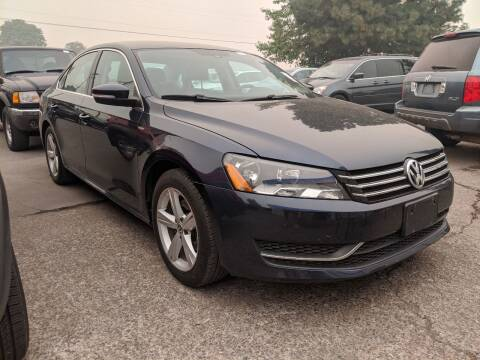 2014 Volkswagen Passat for sale at M AND S CAR SALES LLC in Independence OR