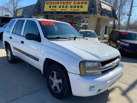 2004 Chevrolet TrailBlazer for sale at Courtesy Cars in Independence MO