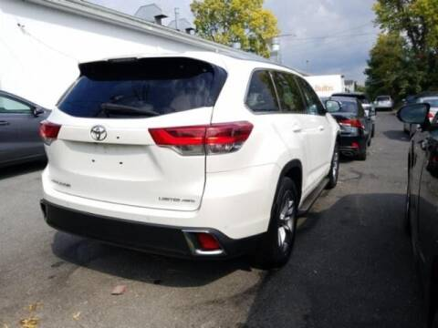 2017 Toyota Highlander for sale at Cj king of car loans/JJ's Best Auto Sales in Troy MI