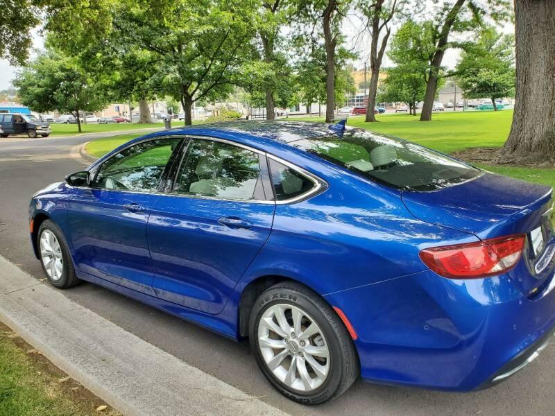 2015 Chrysler 200 for sale at Deanas Auto Biz in Pendleton OR