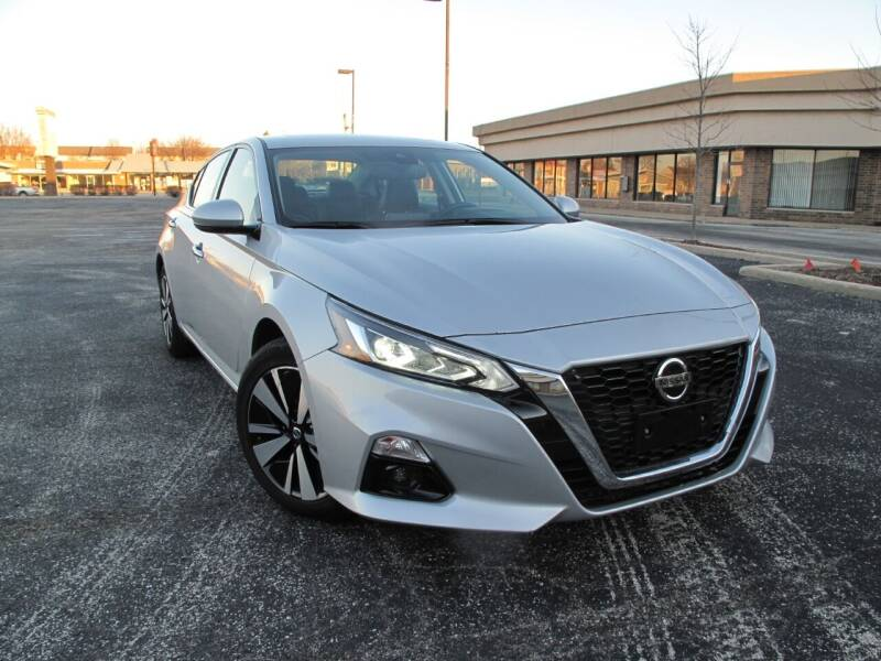 2019 Nissan Altima for sale at Future Motors in Addison IL