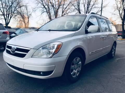 2007 Hyundai Entourage for sale at Modern Auto in Denver CO