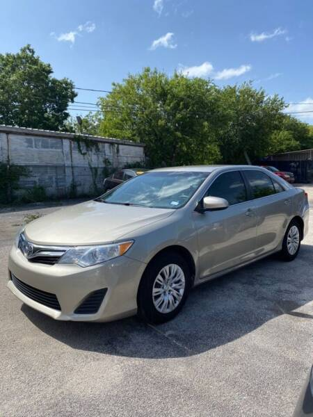 2014 Toyota Camry for sale at Centerpoint Motor Cars in San Antonio TX