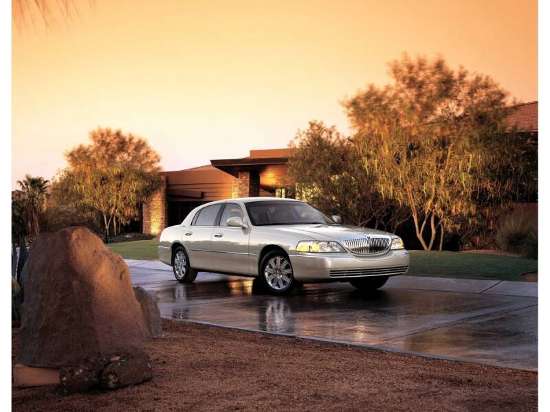 2006 Lincoln Town Car for sale at 6348 Auto Sales in Chesapeake VA