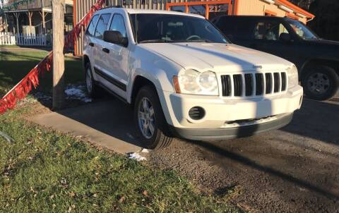 2005 Jeep Grand Cherokee for sale at CARS R US in Caro MI