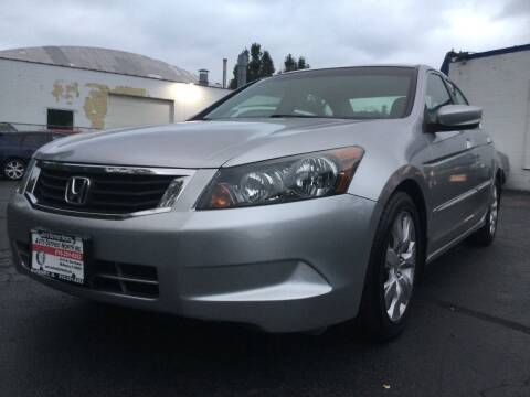 2008 Honda Accord for sale at Auto Outpost-North, Inc. in McHenry IL