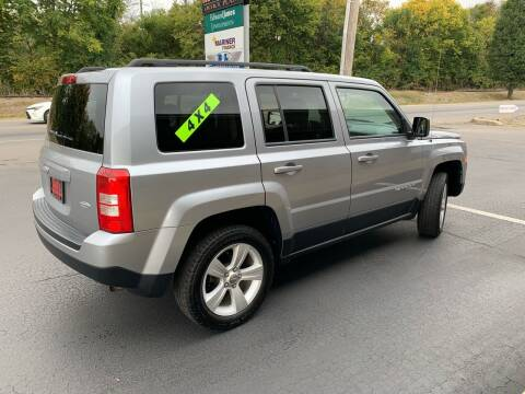 2015 Jeep Patriot for sale at Clarks Auto Sales in Connersville IN