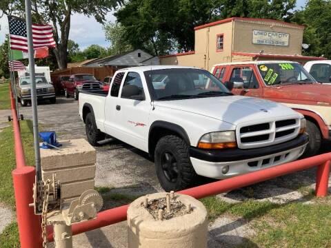 1999 Dodge Dakota for sale at Used Car City in Tulsa OK