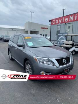 2016 Nissan Pathfinder for sale at COYLE GM - COYLE NISSAN - New Inventory in Clarksville IN