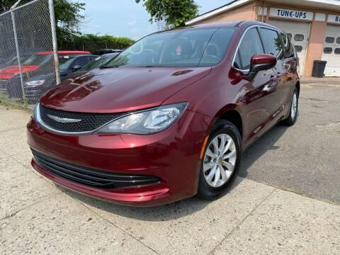 2017 Chrysler Pacifica for sale at Seaview Motors and Repair LLC in Bridgeport CT