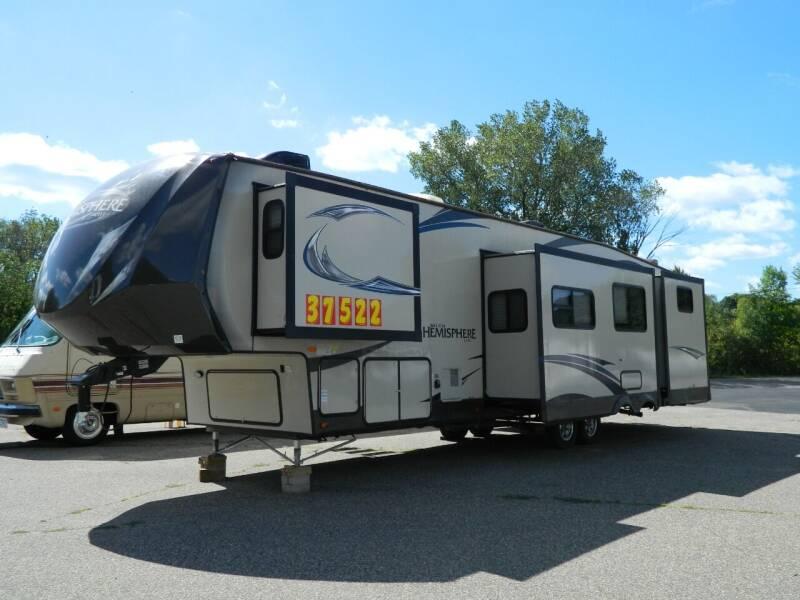 2015 Forest River salem hemisphere lite356QBQ for sale at Triple R Sales in Lake City MN