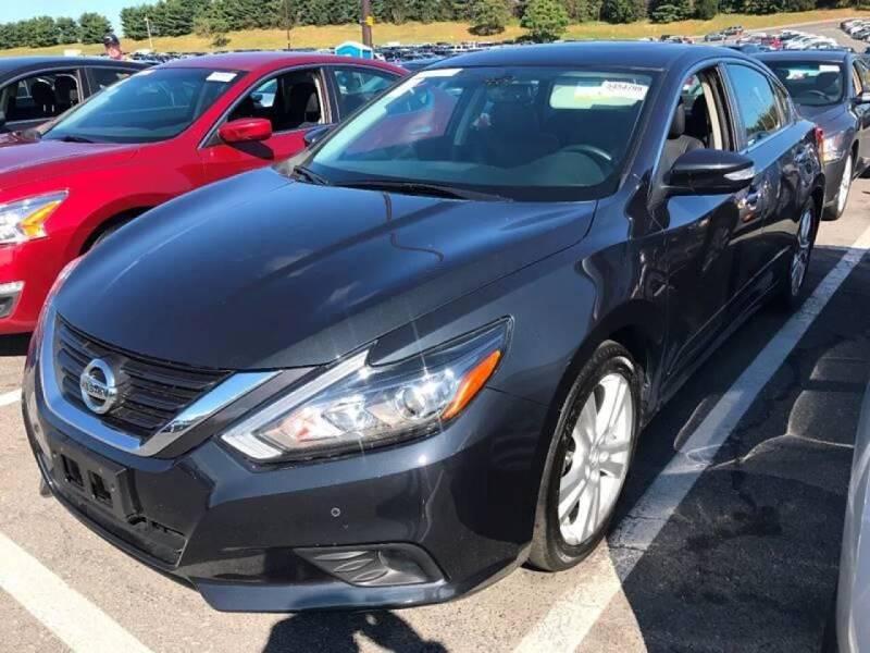 2016 Nissan Altima for sale at SILVER ARROW AUTO SALES CORPORATION in Newark NJ