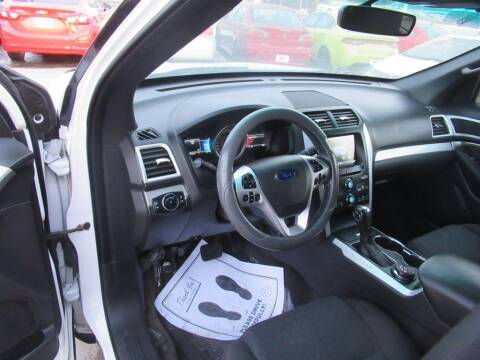 2015 Ford Explorer for sale at Aztec Motors in Des Moines IA