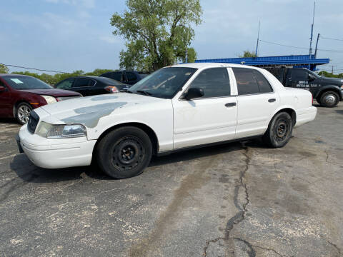 2005 Ford Crown Victoria for sale at Dave-O Motor Co. in Haltom City TX