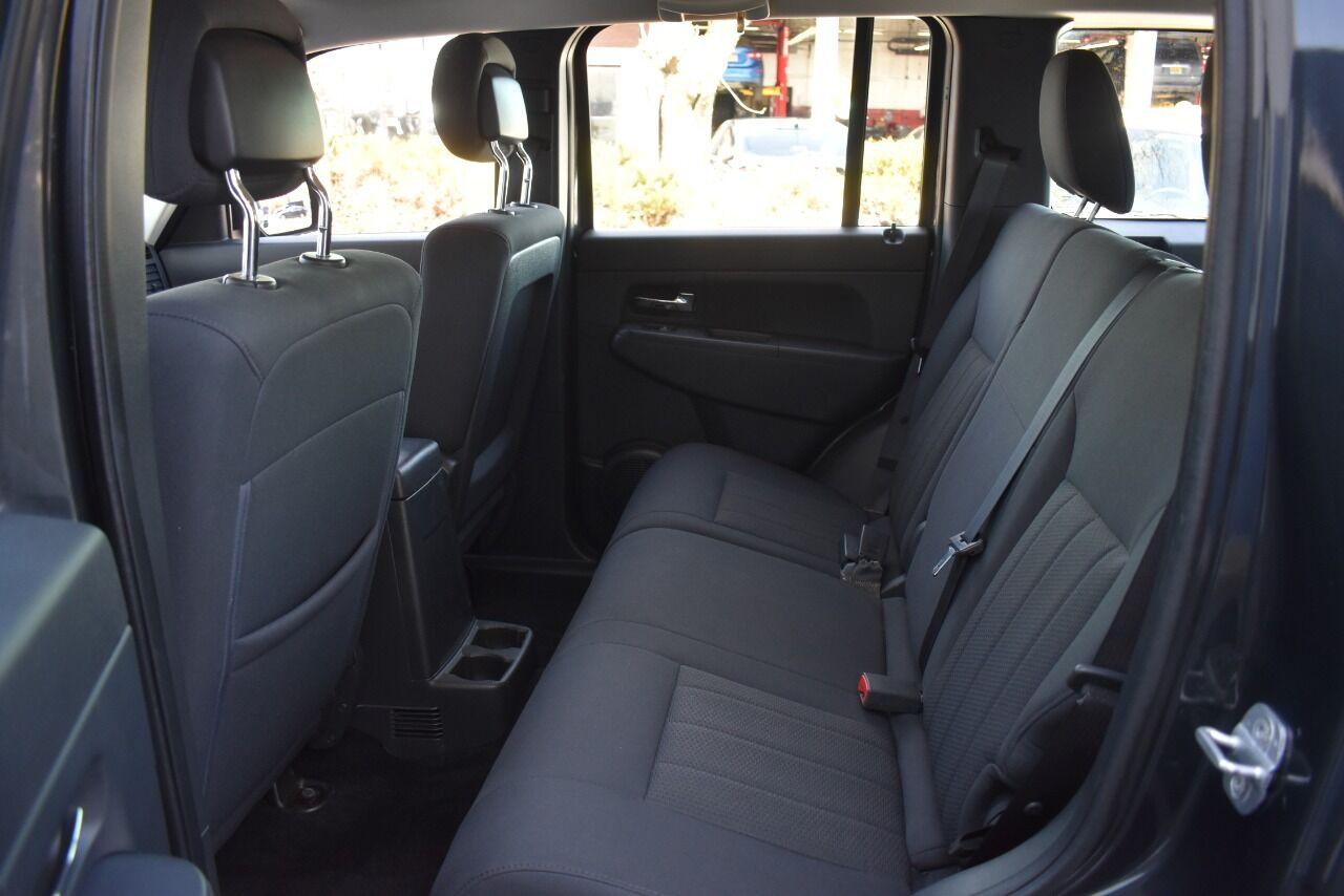 2011 Jeep Liberty Sport 4×4 4dr SUV full