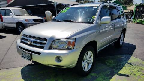 2007 Toyota Highlander Hybrid for sale at Pauls Auto in Whittier CA
