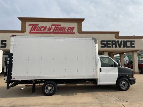 2010 Chevrolet Express Cutaway for sale at TRUCK N TRAILER in Oklahoma City OK