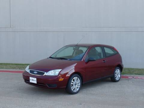 2007 Ford Focus for sale at CROWN AUTOPLEX in Arlington TX