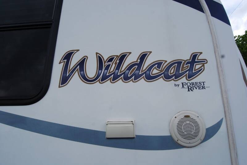 2010 Forest River WILDCAT 25RL for sale at DOE RIVER AUTO SALES in Elizabethton TN