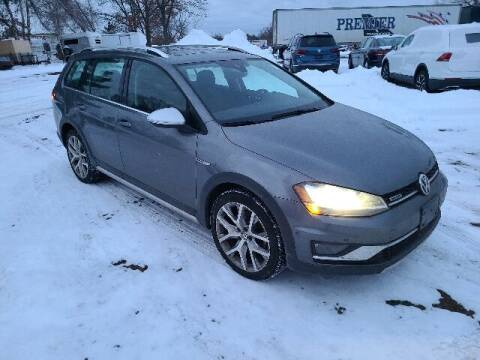 2017 Volkswagen Golf Alltrack for sale at BETTER BUYS AUTO INC in East Windsor CT