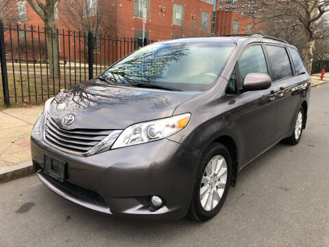 2013 Toyota Sienna for sale at Commercial Street Auto Sales in Lynn MA
