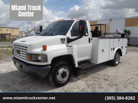2004 Chevrolet C5500 for sale at Miami Truck Center in Hialeah FL
