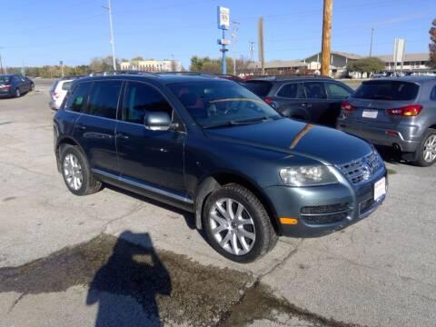 2007 Volkswagen Touareg for sale at Regency Motors Inc in Davenport IA